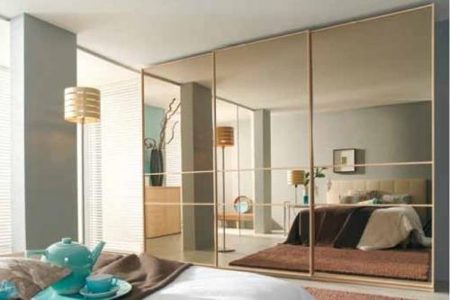 Brons-tonad-spegel